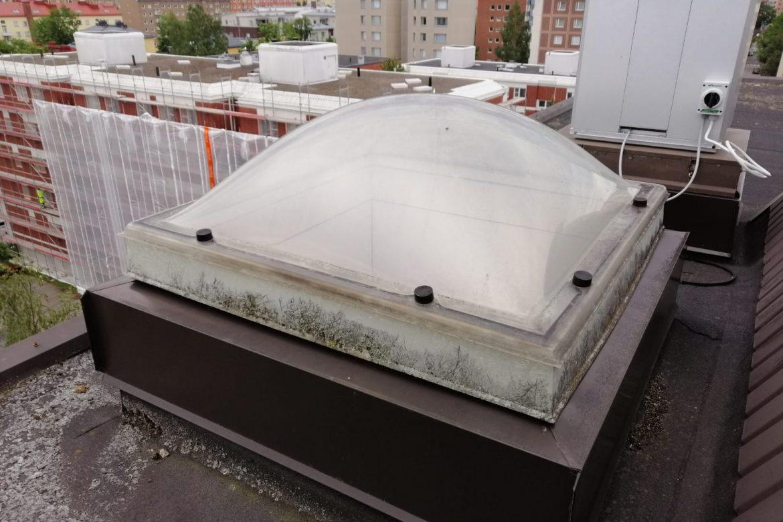 vanha kattoikkuna